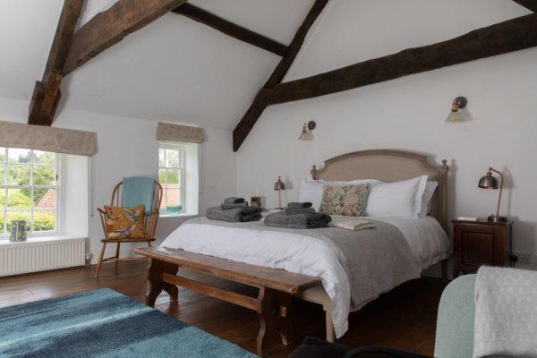 Bye Mills Farm Airbnb website